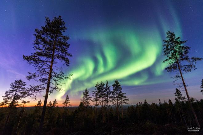 Sunset auroras