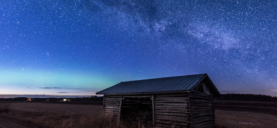 Barn under the milkyway