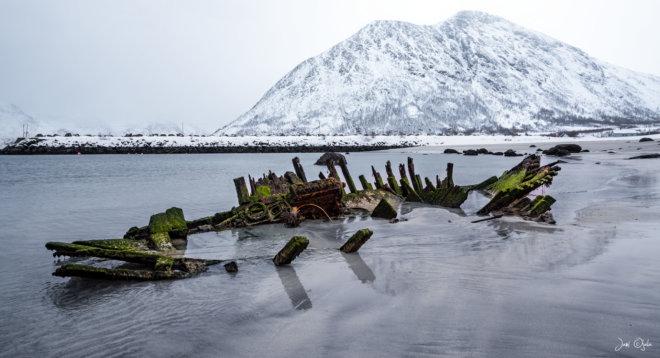 Shipwreck in low tide